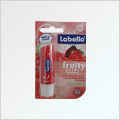 Labello Strawberry Fruit Shine ty�inka na rty 4,8 g